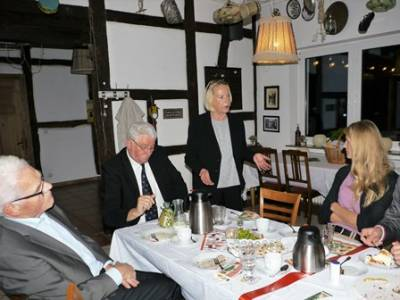 Adventskaffee-Trinken in Steinbergen -